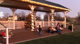 Santa Claus is Coming Thru Town & Tree Lighting @ Town of Dayton & Dove Park | Dayton | Virginia | United States